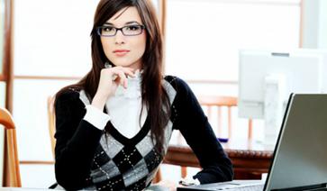 cv_writing_business_woman